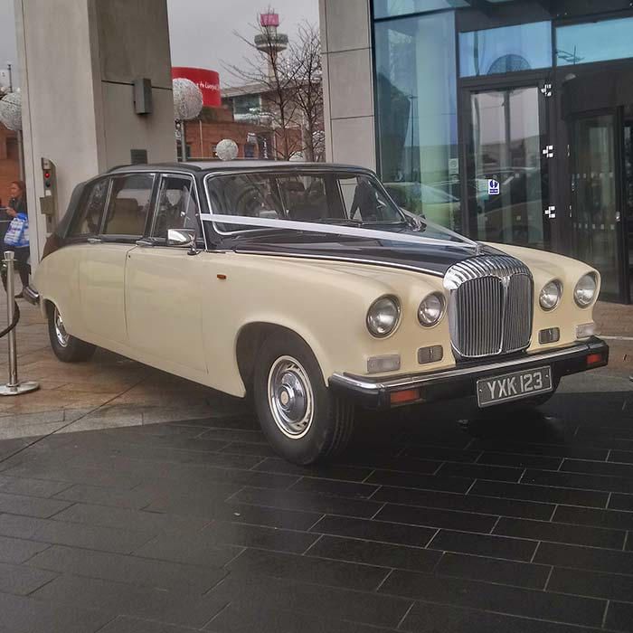 Dailmer DS420 Limousine Wedding Car